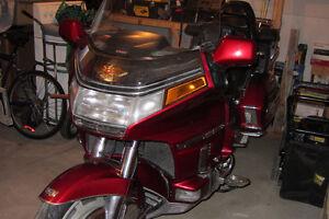 Honda Goldwing 1992 impeccable prix $3500.00 Négociable.