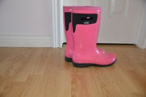 Bogs Pink  Size 4