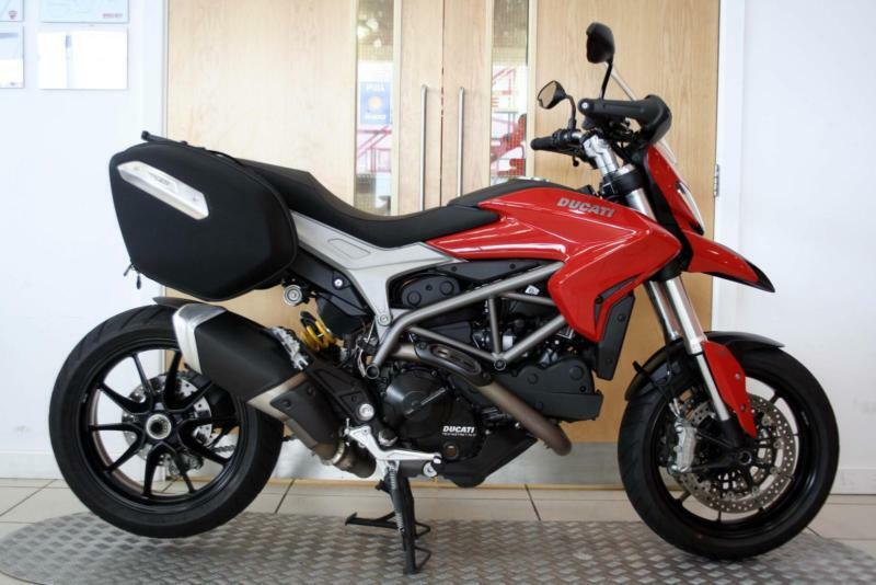 2015 ducati hyperstrada 821 red 1 384 miles 1 owner heated grips in ribbleton lancashire. Black Bedroom Furniture Sets. Home Design Ideas
