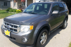 Reduced to $3,450- 2009 Ford Escape - 4 cylinder 5-speed manual!