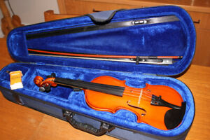 Beautiful 1/2 Size Violin/Fiddle Outfit