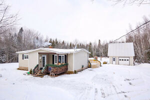 *NEW* 4 Bedroom UPGRADED Bungalow in Geary!