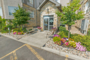2 bedroom apartment style condo in Lakeridge - 4441 Nicurity Dr