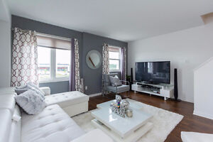 Spacious and maintained townhome in Barrhaven! Built in 2011