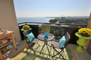 Lake View Condos in Stoney Creek From $399,900-Resale