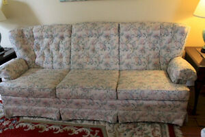 Comfortable Couch in Excellent Condition Kingston Kingston Area image 1