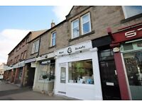 3 bedroom flat in St Johns Road, Corstorphine, Edinburgh, EH12 7XD