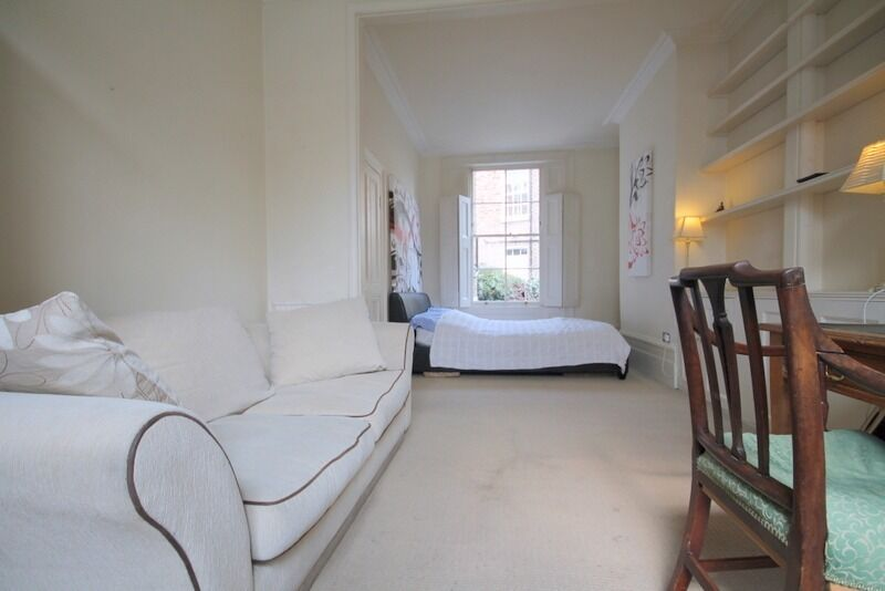 Immaculate Massive Double Room in a Victorian House in Islington. ALL BILLS INCLUDED