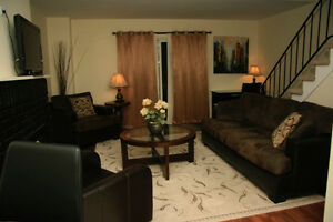 Rent Fully Furnished 4 Bedroom Townhouse Short or Long Term