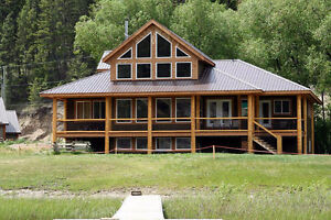 Luxury Vacation rental home 3 hours from Vancouver sleeps 12