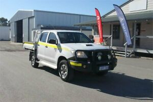 2011 Toyota Hilux 2011 White 5 Speed Manual