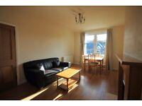 2 bedroom flat in Redford Road, Colinton, Edinburgh, EH13 0AD