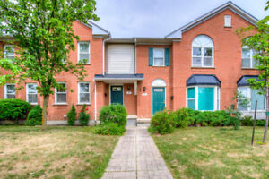 Condo Townhome in Sought After Location of Central Erin Mills