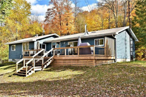 THE TRILLIUM TEAM ~ 'HORSESHOE LAKE' 4-SEASON HOME/COTTAGE
