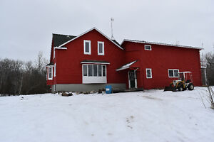 Bed & Breakfast Opportunity - 5 Mins from Lucien Lake!!