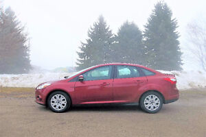 2013 Ford Focus SE Sedan- Automatic w/ 77K.  ONLY $9750!!