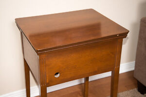Vintage Wooden Sewing Machine Table/Cabinet Cambridge Kitchener Area image 4