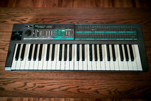 Korg Poly800 Synth