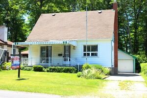 OPEN HOUSE SUNDAY JULY 16th 2:00-4:00! LARGE PRIVATE LOT!