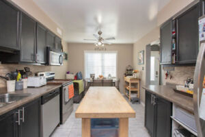 NEW LISTING !!! 4359 Arejay Avenue, Beamsville.  Listed at $374,