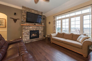 A spectacular 5 bedroom custom built home in Summerstown Estates Cornwall Ontario image 4