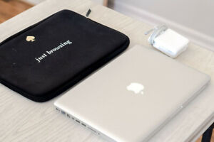 "2012 MacBook Pro 13"" 4GB w/ Kate Spade case"