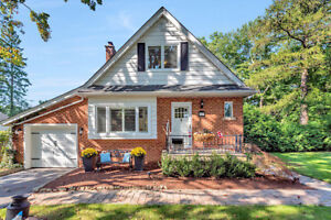 Open House Sunday 2-4, Ancaster! 17 Cameron Drive