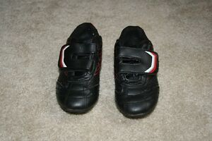 Athletic Work Soccer Cleats Size 9