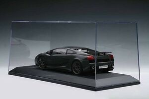 1/18 scale display cases by Autoart & Michaels
