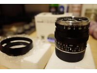Beautiful Zeiss Biogon 35mm F2 ZM lens with official Zeiss Hood