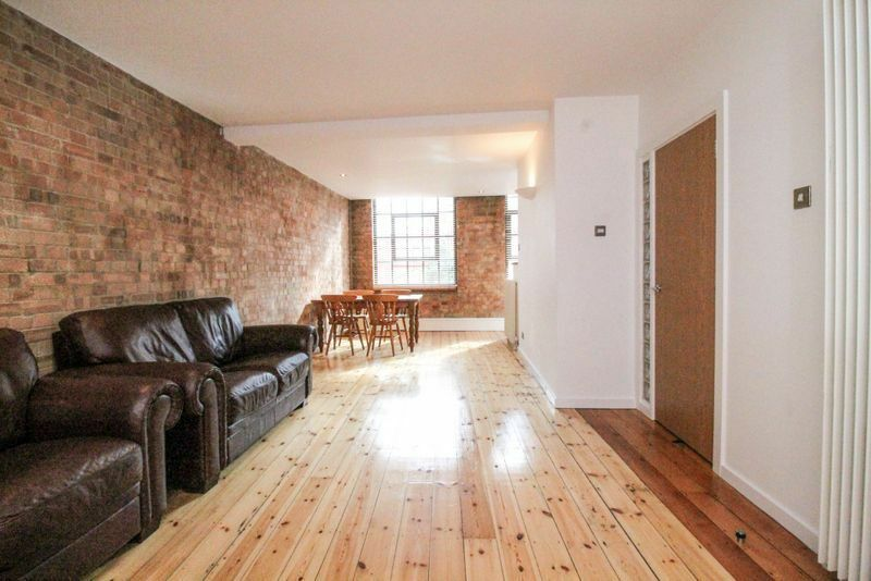 1 bedroom flat in Nexus House, Aldgate East