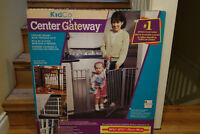 New in a box White Kidco safety gate