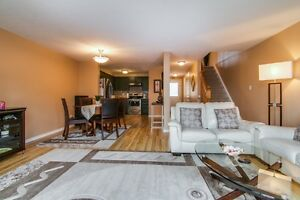 NEW LISTING! FREEHOLD TOWNHOME IN LAURENTIAN HILL/COUNTRY HILL Kitchener / Waterloo Kitchener Area image 5