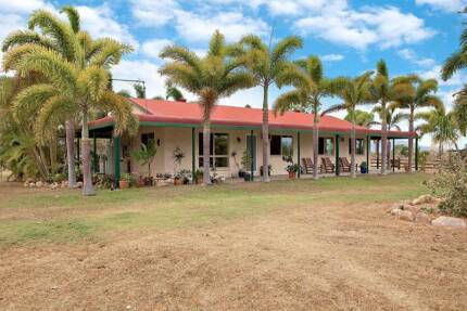 Comfortable 4 Bedroom House on 20 Acres - 20 Mins from Townsville Nome Townsville Surrounds Preview
