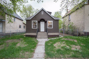 Beautiful North End Home ZONED R2