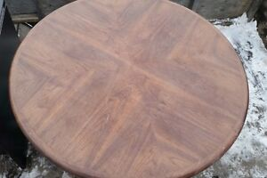 Great Solid Round Table *Great for Poker