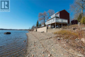 Beautiful 3 Bed 2 1/2 Bath located in Grand Bay,NB
