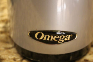 Omega - Vertical HD Extracting Juicer
