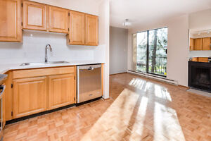 FURTHER REDUCED !! Spacious Bright Renovated Kerrisdale Townhome