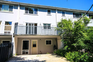 3 bedroom condo townhouse for rent immediately Kingston Kingston Area image 1