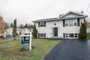 3 bedroom, 2 bath renovated with 4 new stainless appliances