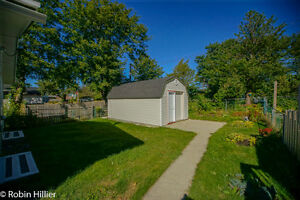 Beautiful Detached Bungalow, 2 driveways, Near all Amenities St. John's Newfoundland image 3