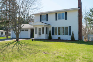 Quispamsis Large Family Home & Work Shop For Sale