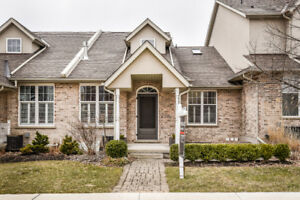 OPEN HOUSE SAT & SUN: PRIME LOCATION! UPTOWN WATERLOO TOWNHOME!