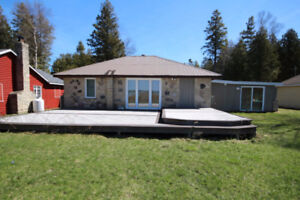 Waterfront Lake Huron Cottage with Hot Tub!