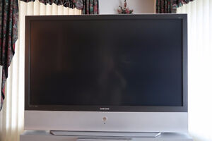 """Mint Condition Samsung 61"""" DLP TV in working condition"""