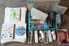Nintendo Wii Bundle like new boxed