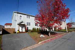 Gorgeous 3 Bed Semi in Halifax! Super Family Area! Only $225!