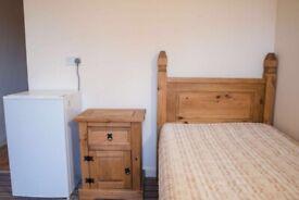 RENT SINGLE ROOMS CLOSE TO PYMMES PARK N18