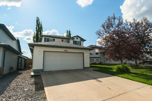 Foxboro Sherwood Park 2 storey Family Home for Rent Sept 15